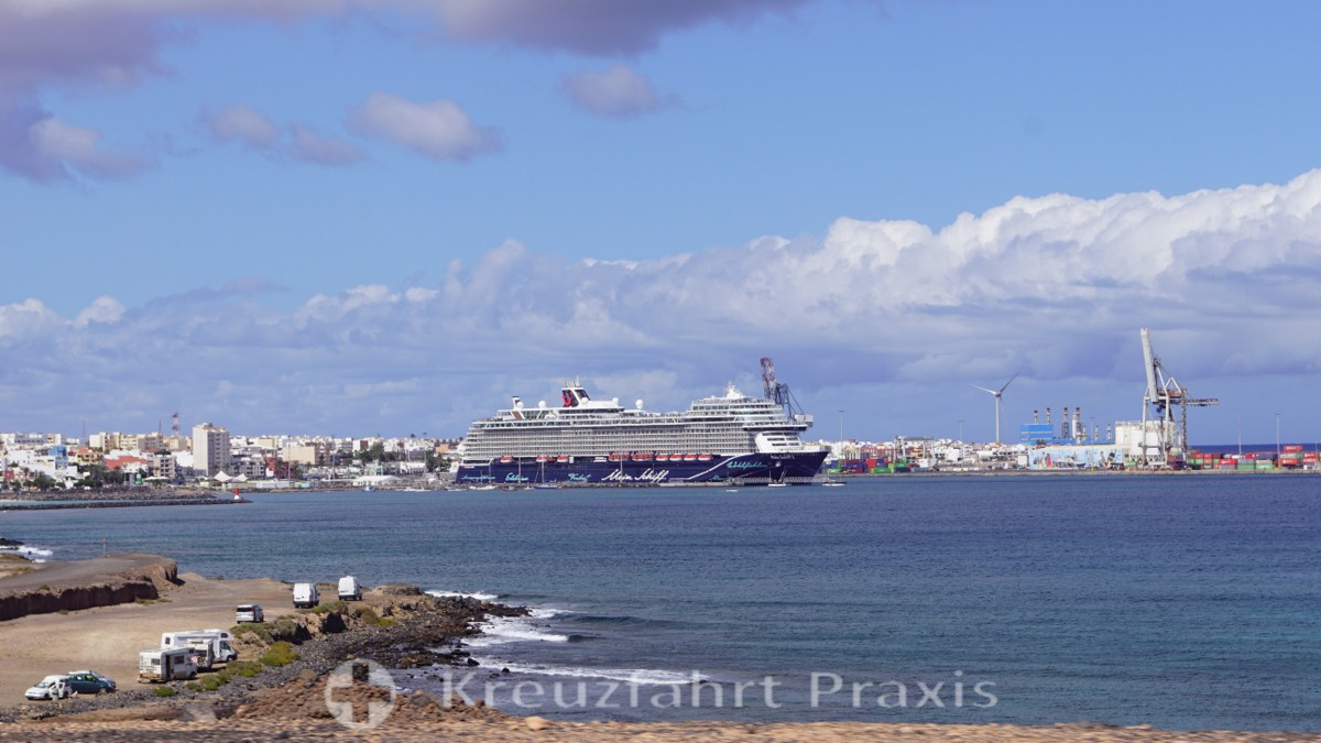 Die neue Mein Schiff 2 in Puerto del Rosario