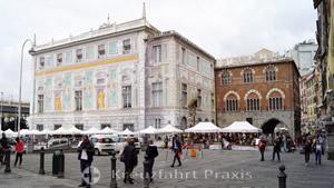 Palazzo San Giorgio and Mercantino Via della Mercanzia
