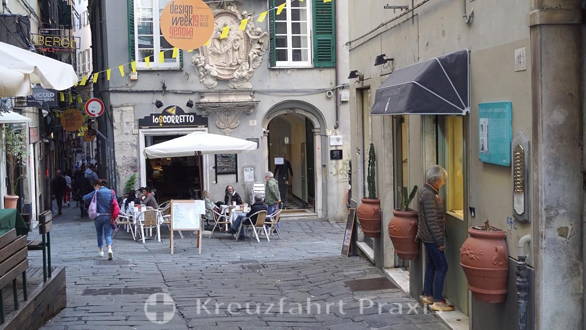The Piazza Pollaiuoli in Genoa's designer quarter