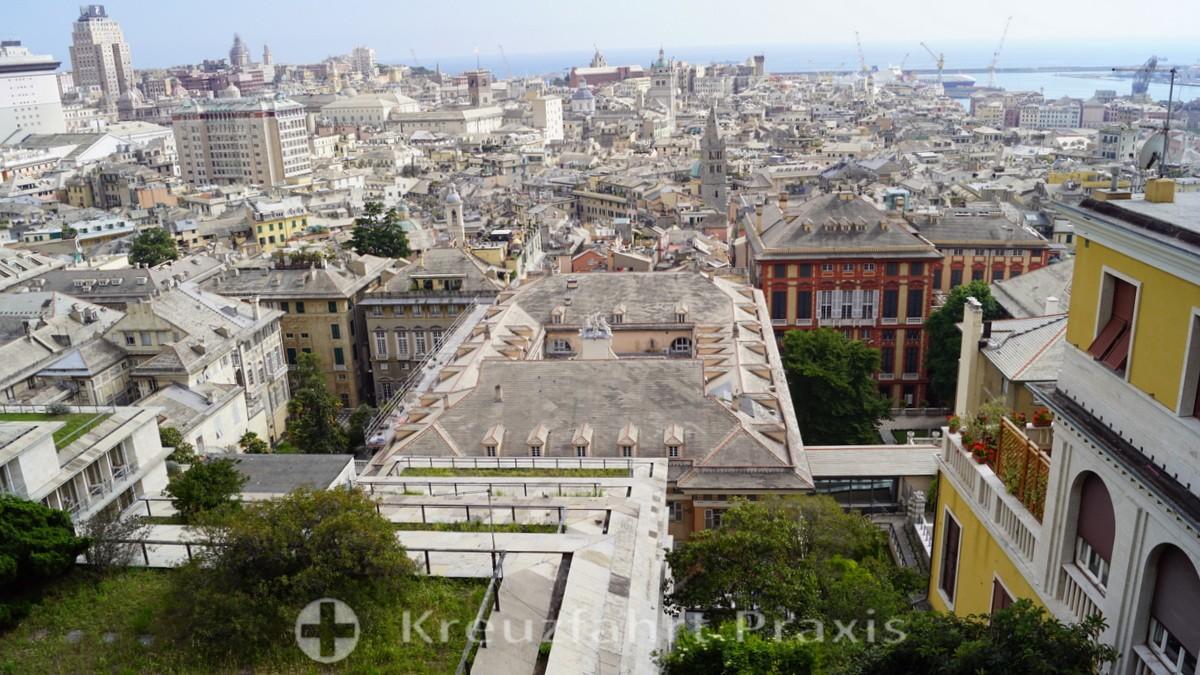Blick vom Belvedere auf die Palazzi Doria Tursi und Rosso
