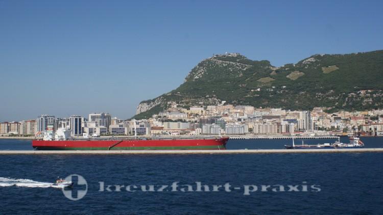 Gibraltar - Schiff auf Reede