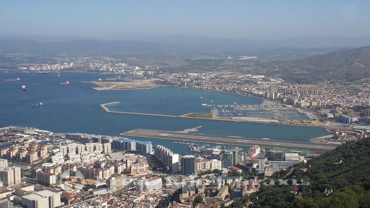 Gibraltar - Flughafen - Dahinter liegt Spanien