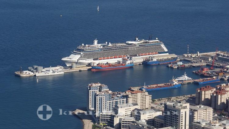 Celebrity Reflection am Cruise Terminal von Gibraltar