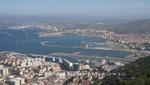 Gibraltars Flughafen, dahinter liegt Spanien