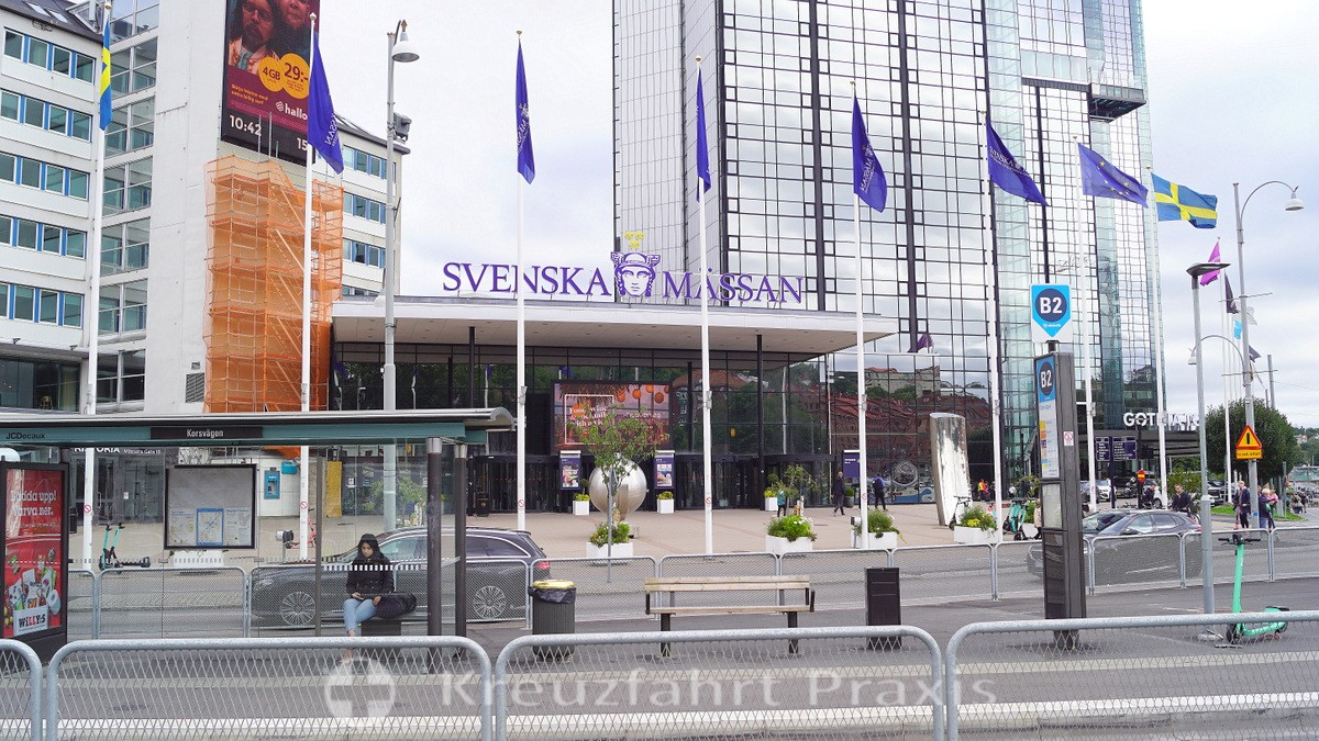 Korsvägen with the exhibition center and Gothia Towers