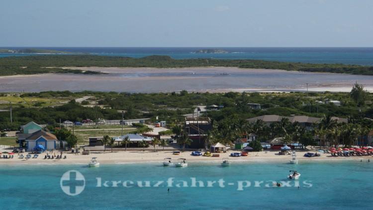 Grand Turk - Strand und Hawkes Nest Salina