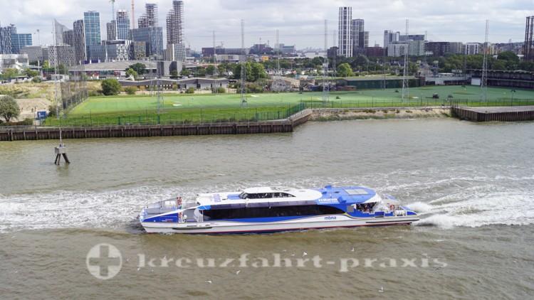 Thames Clipper- Schiff