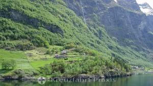 Sonnige Zeit im Nærøyfjord
