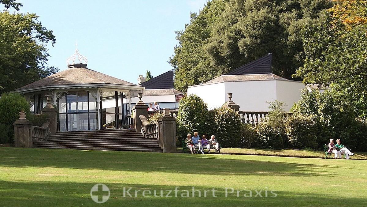 Guernsey Museum and Art Gallery mit Victoria Café in den Candie Gardens