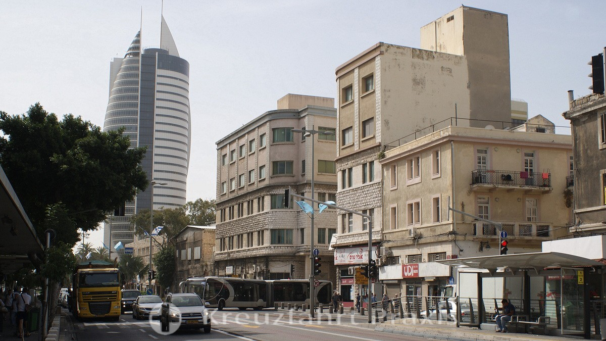 Haifa center - in the background the Sail Tower