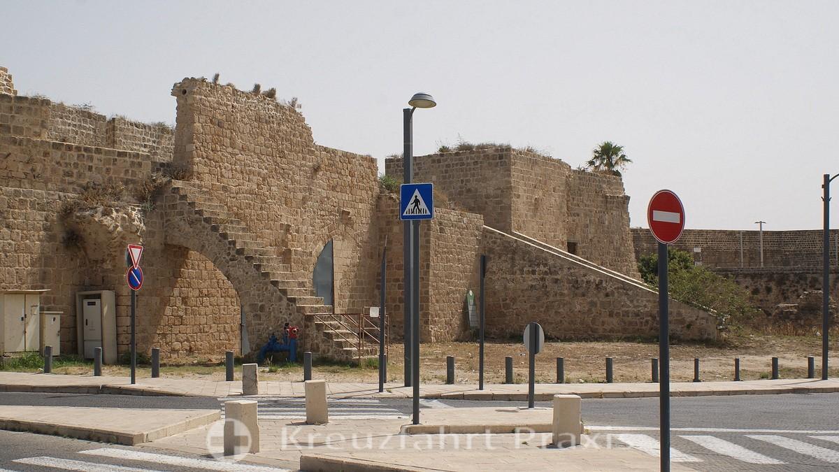 Ako's north-eastern city walls
