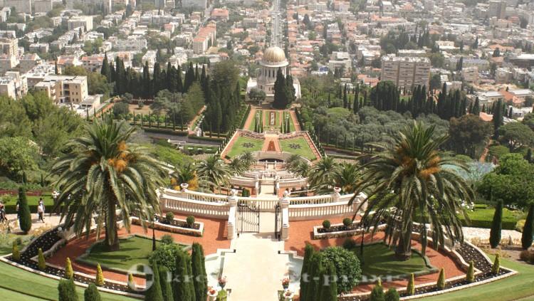 Haifa - Blick auf die Bahai Gärten und den Bahai Schrein