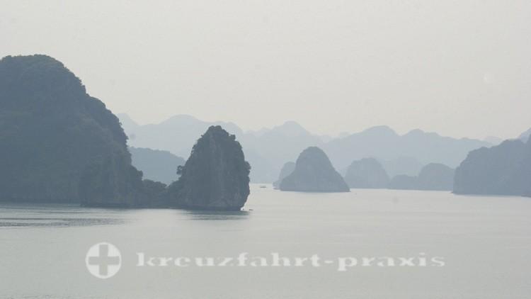 Felsinseln der Halong Bucht