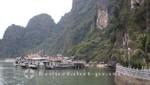 Ausflugsboote vor der Dau Go-Insel