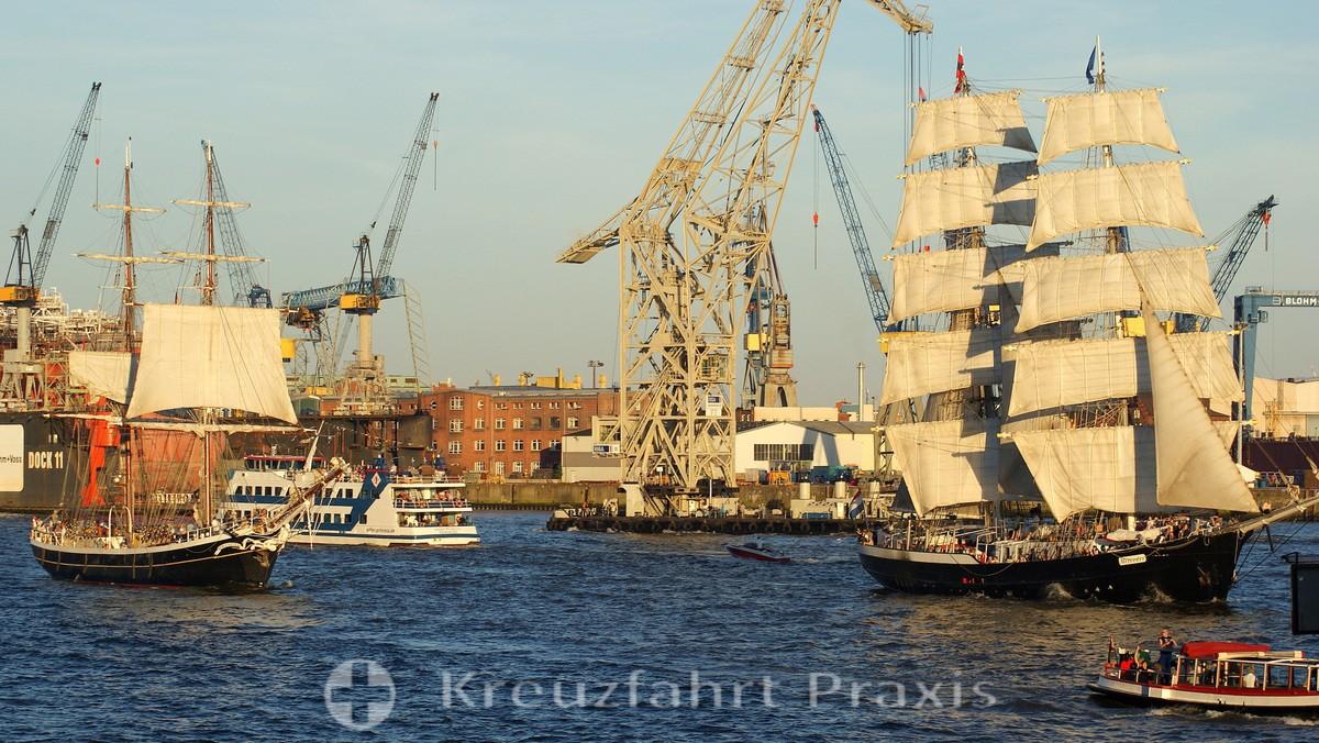 Tall ship at the Cruise Days Hamburg