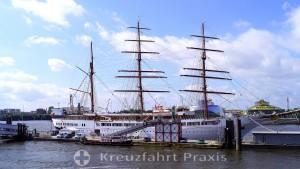 Hamburg - Cruise Terminal Überseebrücke with Sea Cloud II