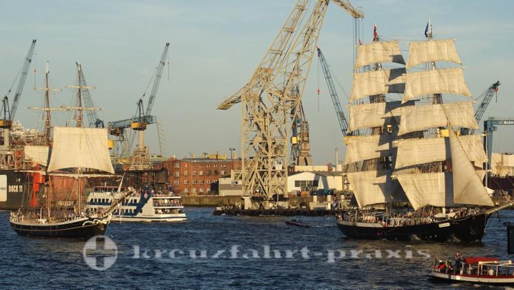 Großsegler bei den Cruise Days Hamburg