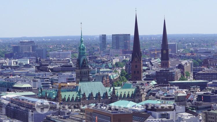 Hamburgs Zentrum von oben gesehen