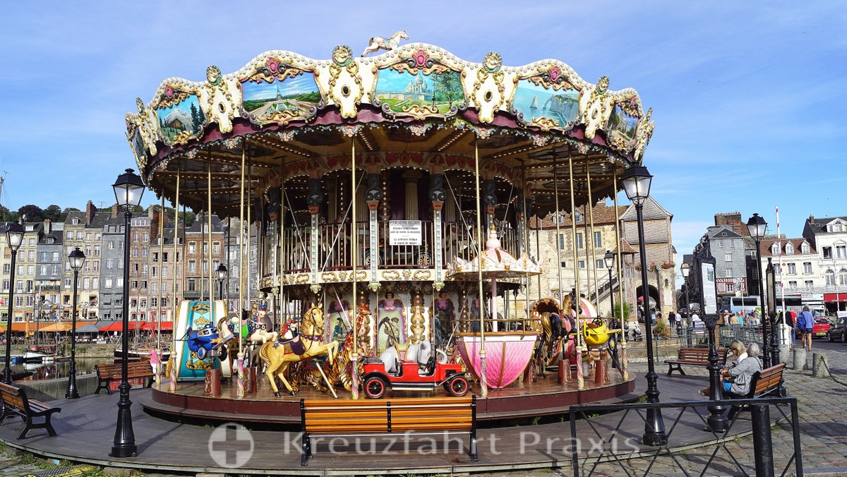 Children's carousel at the Vieux Bassin