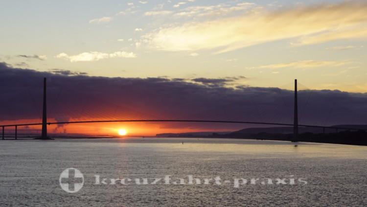 Pont de Normandie bei Sonnenaufgang