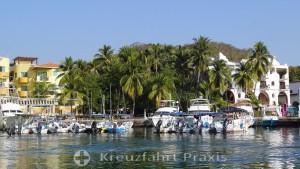 Sport fishing boats in Huatulcos Marina
