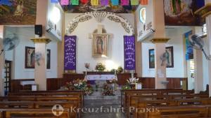 Die Kirche von La Crucecita - das Kirchenschiff