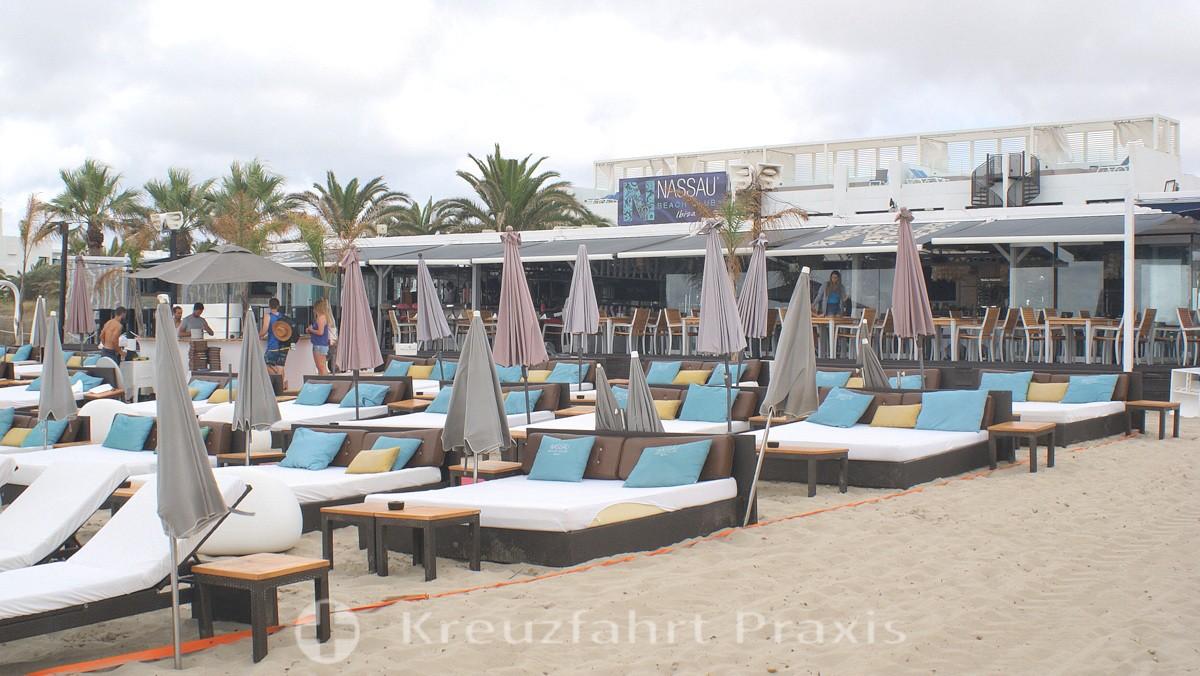 Playa d'en Bossa in the morning