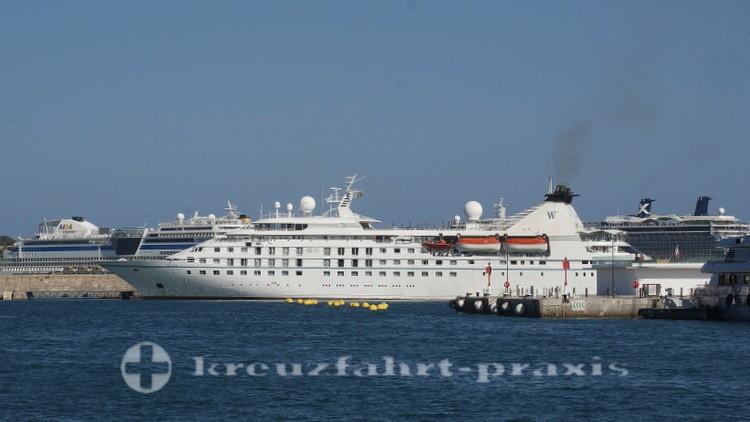 Ibiza-Stadt - Kreuzfahrtschiffe