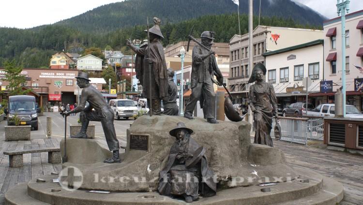 Skulptur The Rock - Sie stehen für Ketchikan