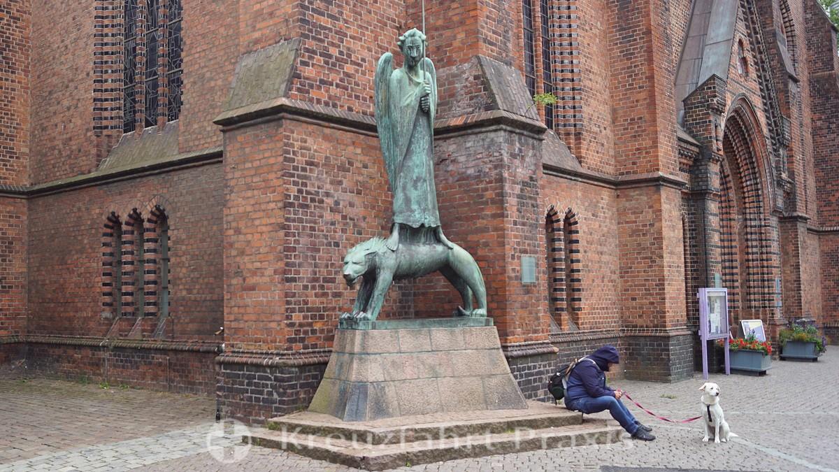 Kiel - the spirit warrior in front of the Sankt Nikolai church