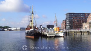 Maritime Museum - Museum Bridge