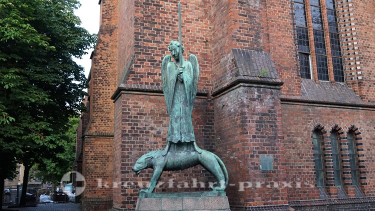 Der Geistkämpfer vor St. Nikolai