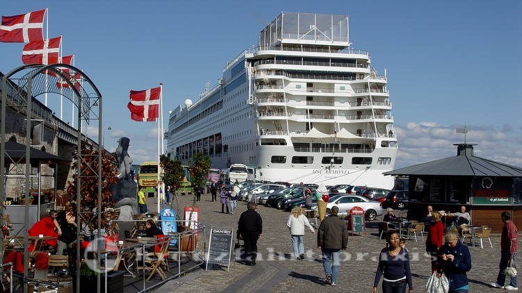Langelienie Kai mit MSC Kreuzfahrtschiff