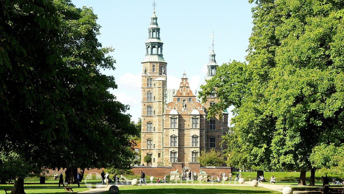 Rosenborg Castle - Surrounded by parks