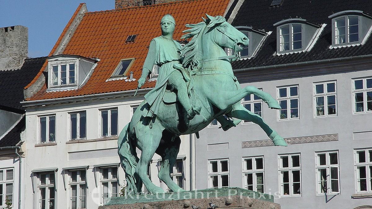 Bishop Absalon on horseback