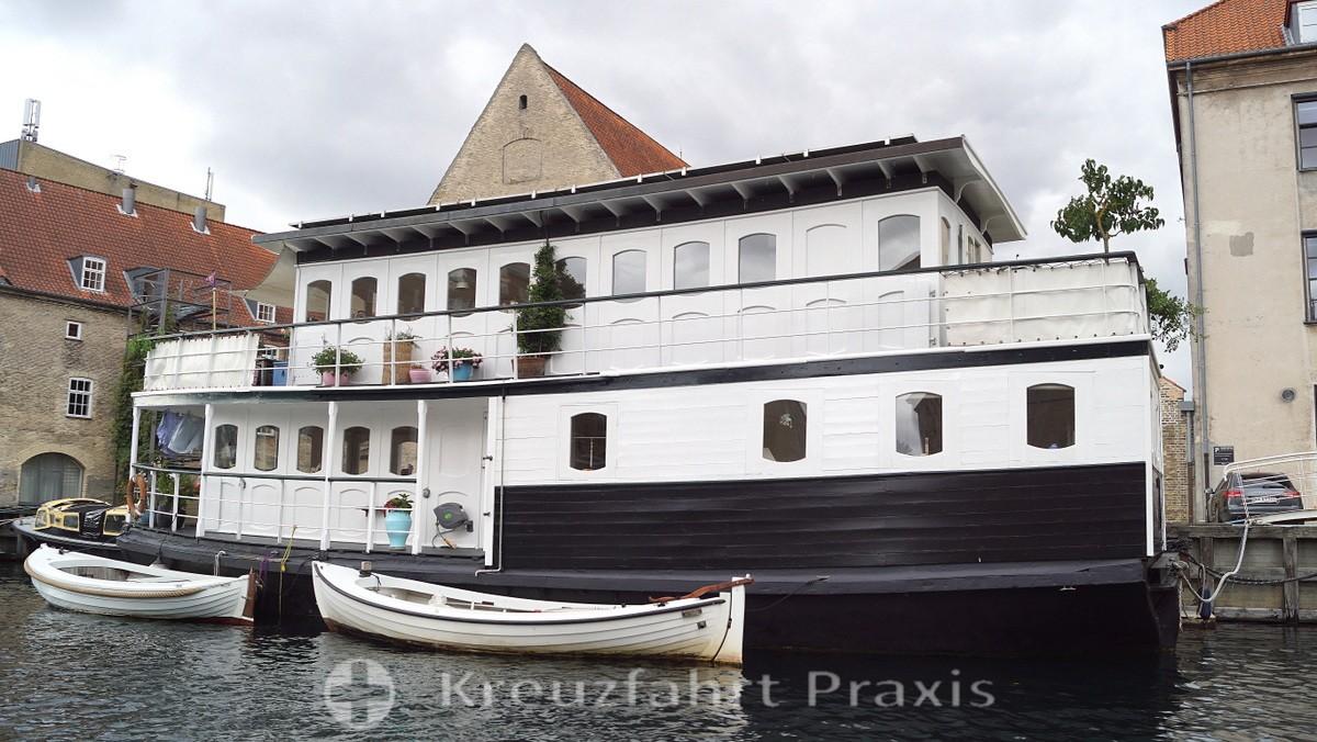 Freetown Christiana - houseboat