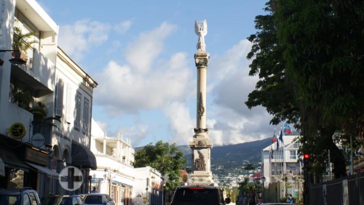La Réunion - Die Siegessäule von Norden gesehen