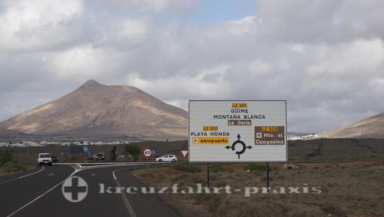 Wegweiser auf Lanzarote