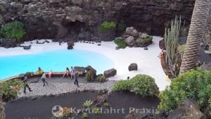 Jameos del Agua - das weiße Becken