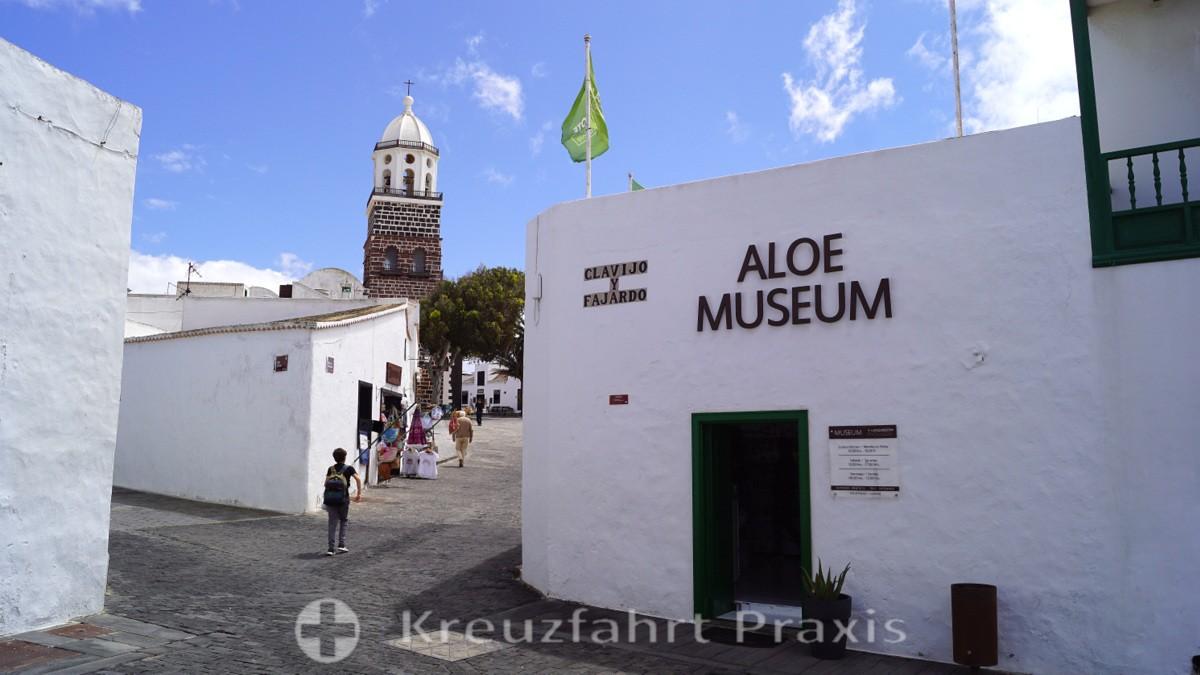 Teguise - Plaza Clavijo y Fajardo mit dem Aloe-Museum