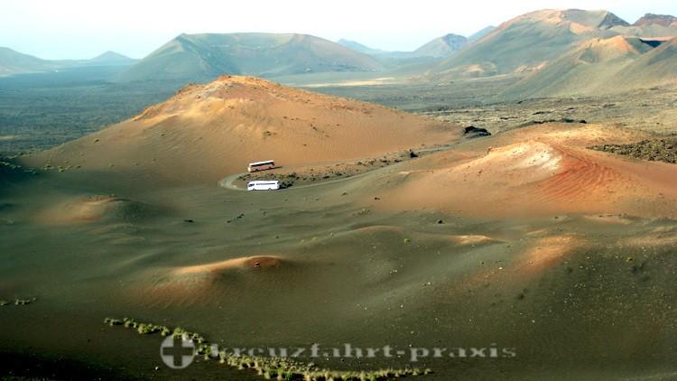 Lanzarote - Aussichtsbusse im Timanfaya Nationalpark
