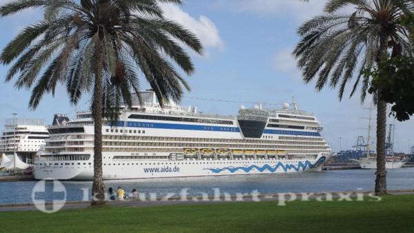 Kreuzfahrtschiff in Las Palmas de Gran Canaria