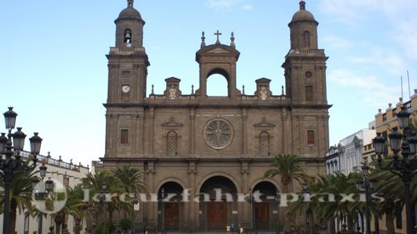 Las Palmas - Plaza Santa Ana mit der Kathedrale