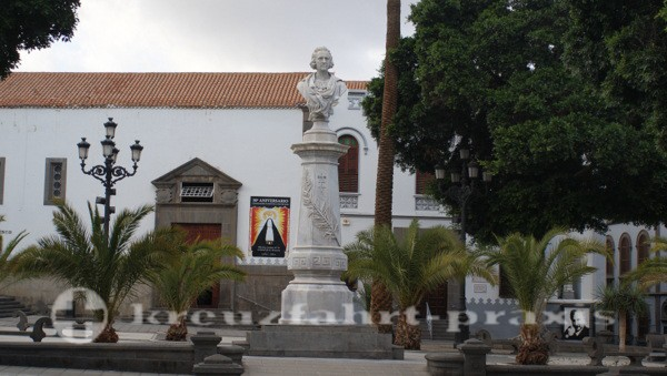 La Palmas - Plaza de Cairasco mit Büste des Christoph Columbus