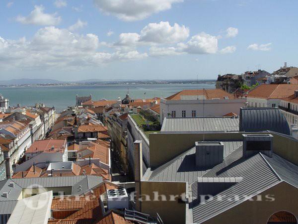 Lissabon mit dem Tejo