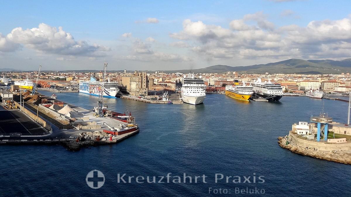 Livorno - Liegeplätze der Fähr- und Kreuzfahrtschiffe