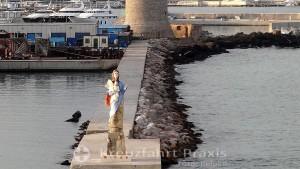 Livornos Schutzpatronin vor dem Fanale dei Pisani