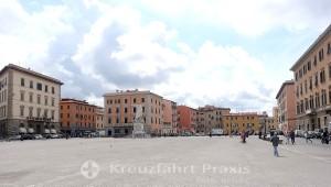Piazza della Repubblica und Statue Ferdinand lll.