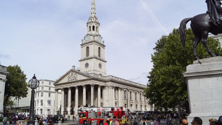 Trafalgar Square - St Martin in the Fields