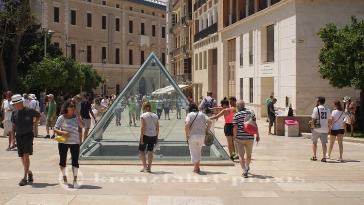 Pyramide über der römischen Fischfabrik - Calle Alcazbilla